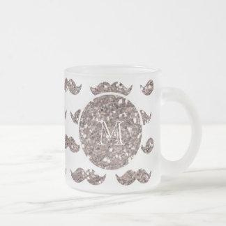 Mönster för Taupeglittermustasch din Monogram Kaffe Muggar