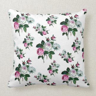 Mönster för vit ros för vintageshabby chic rosa kudde