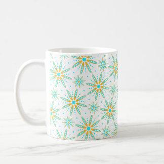 mönstrad wintry snöflingor för aquaturkos kaffemugg