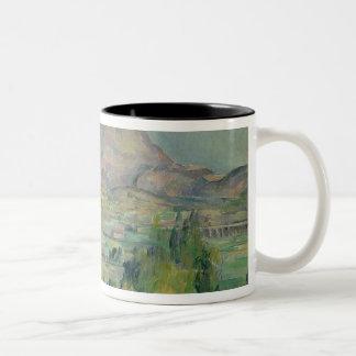 Montagne Sainte-Victoire, c.1887-90 Två-Tonad Mugg