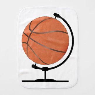 Monterad basket på den roterande svängtappen bebistrasa