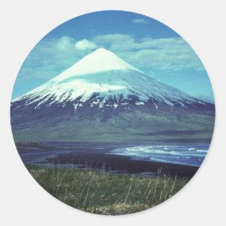 MonteringsCleveland vulkan, öar av fyra berg, Runt Klistermärke