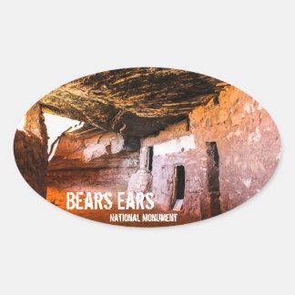Monument för björnöronmedborgare ovalt klistermärke
