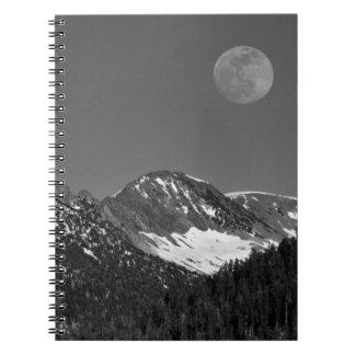 Moonrise Sierra-Nevada, glaciär pekar utsikt Anteckningsbok Med Spiral