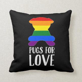 Mops för kärlek firar gay pridesvart kudde