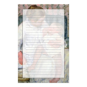Mor omkring som tvättar henne sömnigt barn 731a15d792221