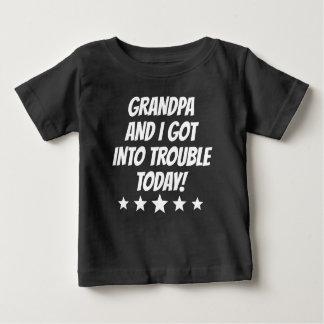 Morfadern och I fick in i besvärar T Shirts