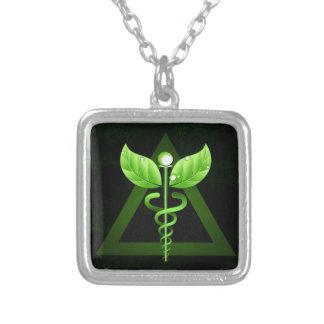 Mörk - alternativ medicinEmblem för grön Caduceus Silverpläterat Halsband