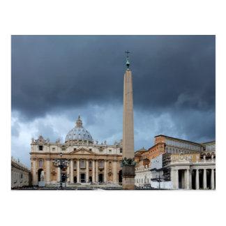 Mörk fördunklar ovanför den St Peters basilicaen, Vykort