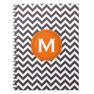 Mörk - grått mönster för vitMonogramsparre Anteckningsbok Med Spiral