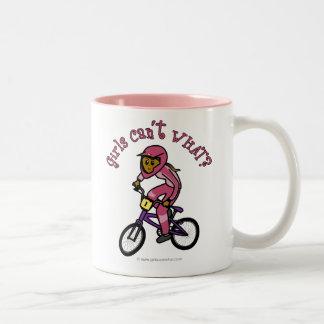 Mörka rosa flickor BMX Två-Tonad Mugg