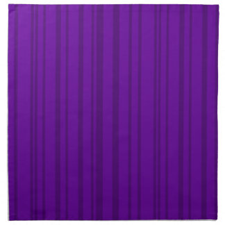 Mörka violetta lodrätrandar tygservett