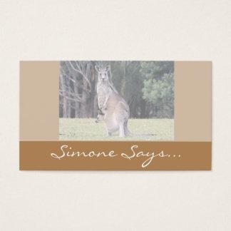 Morkänguru med babyen som är känguruunge i henne visitkort