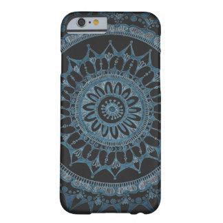 Mörkt Mandalafodral vid den Megaflora designen Barely There iPhone 6 Fodral