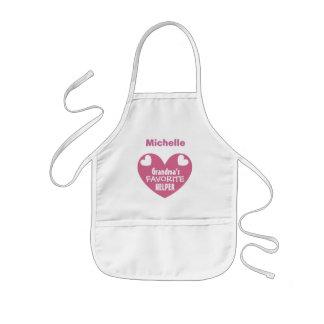 Mormor favorit- hjälpreda med känd ROSA hjärta V1B Barnförkläde