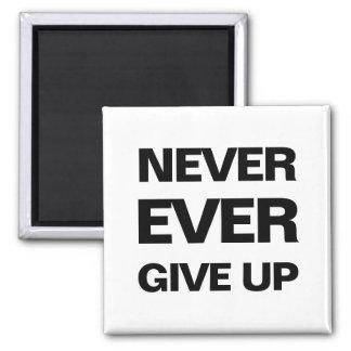 Motivational modern magnet för svartvit qoute