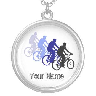 Motivational ord, cykla som cyklar, cykel silverpläterat halsband
