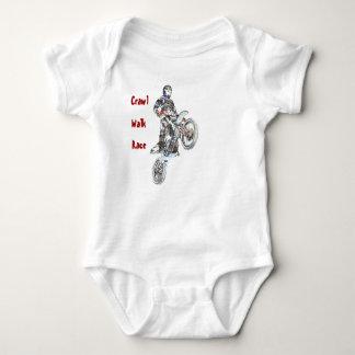Motocrosskrypandet, går och tävlingen tröjor