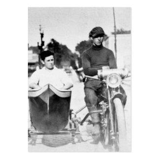 Motorcykel och Sidecar för vintagebikerfredlös Set Av Breda Visitkort
