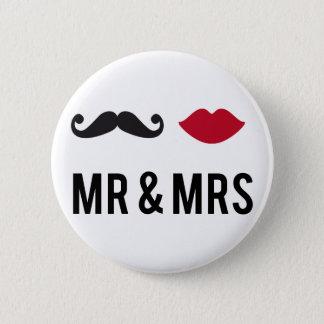 mr. och mrs. med mustasch och röd läppar standard knapp rund 5.7 cm
