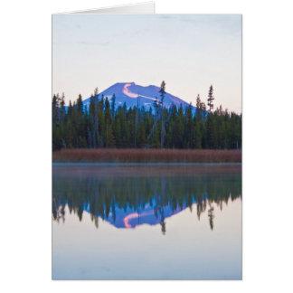 Mt-ungkarl från lite Lava sjön, Oregon Hälsningskort