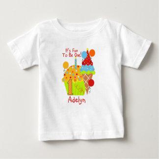 Muffins och glassroligt som är en 1st födelsedag tee shirts
