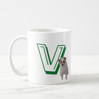 Mugg - brev V med hunden och namn