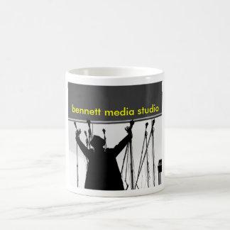 Mugg för Bennett massmediastudio