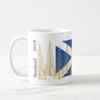 Mugg för julgranar för Skottland flagga guld- Kaffemugg