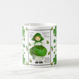 Mugg för tea för kaffe för shamrock för Patricks