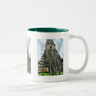 Mugg: Mayan tempel på Tikal, Guatemala Två-Tonad Mugg