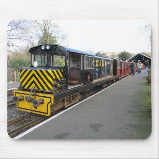 Musen vadderar/musmattan med diesel- lokomotiv musmatta
