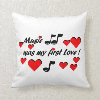 Music was my first Love Kudde