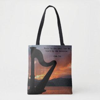 Musik i Soultotot hänger lös Tygkasse