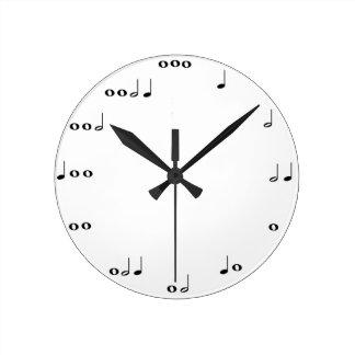 Musik noter tar tid på medium rund klocka