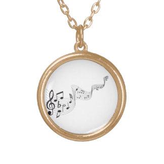 Musikalen noterar halsbandet guldpläterat halsband