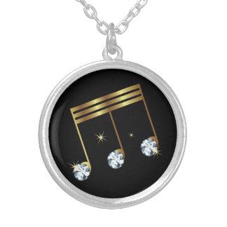 Musikalen noterar Rhinestonediamantdesign Silverpläterat Halsband