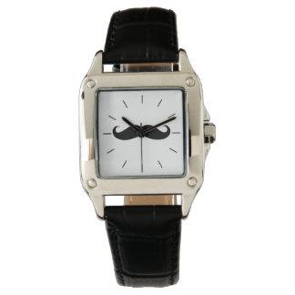 Mustaschkvinna klocka