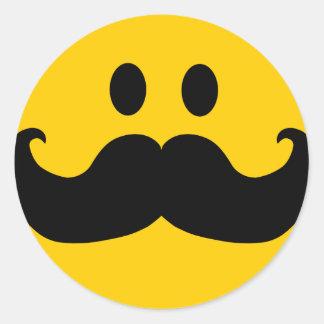 MustaschSmiley (anpassadebakgrundsfärg) Runt Klistermärke