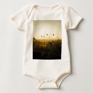Myanmar Body För Baby