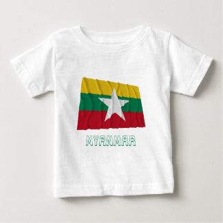 Myanmar som vinkar flagga med namn tröja