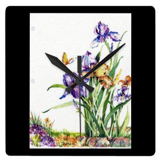 Mycket lilla Irises i vattenfärg Fyrkantig Klocka