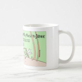 Myggor som dricker för mycket kaffemugg