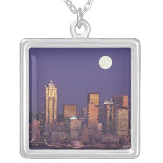 N.A. USA, Washington, Seattle Seattle horisont Silverpläterat Halsband