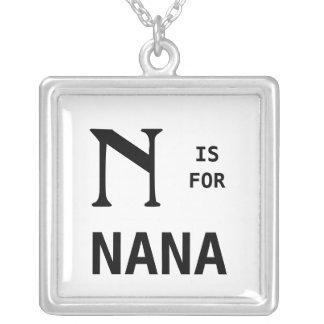 N är för det Monogrammed Nana Monogramhänget Silverpläterat Halsband