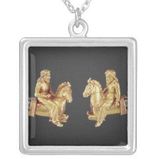 Nackering i form av Scythian skicklig ryttare Silverpläterat Halsband