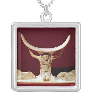 Nackstöd med Shu, den egyptiska guden av luften Silverpläterat Halsband