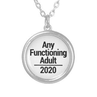 Någon fungera vuxen 2020 silverpläterat halsband