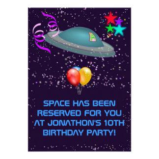 NÅGON inbjudan för party för barns födelsedag för