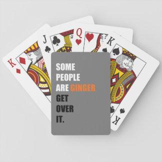 Något folk är ingefäran som leker kort casinokort